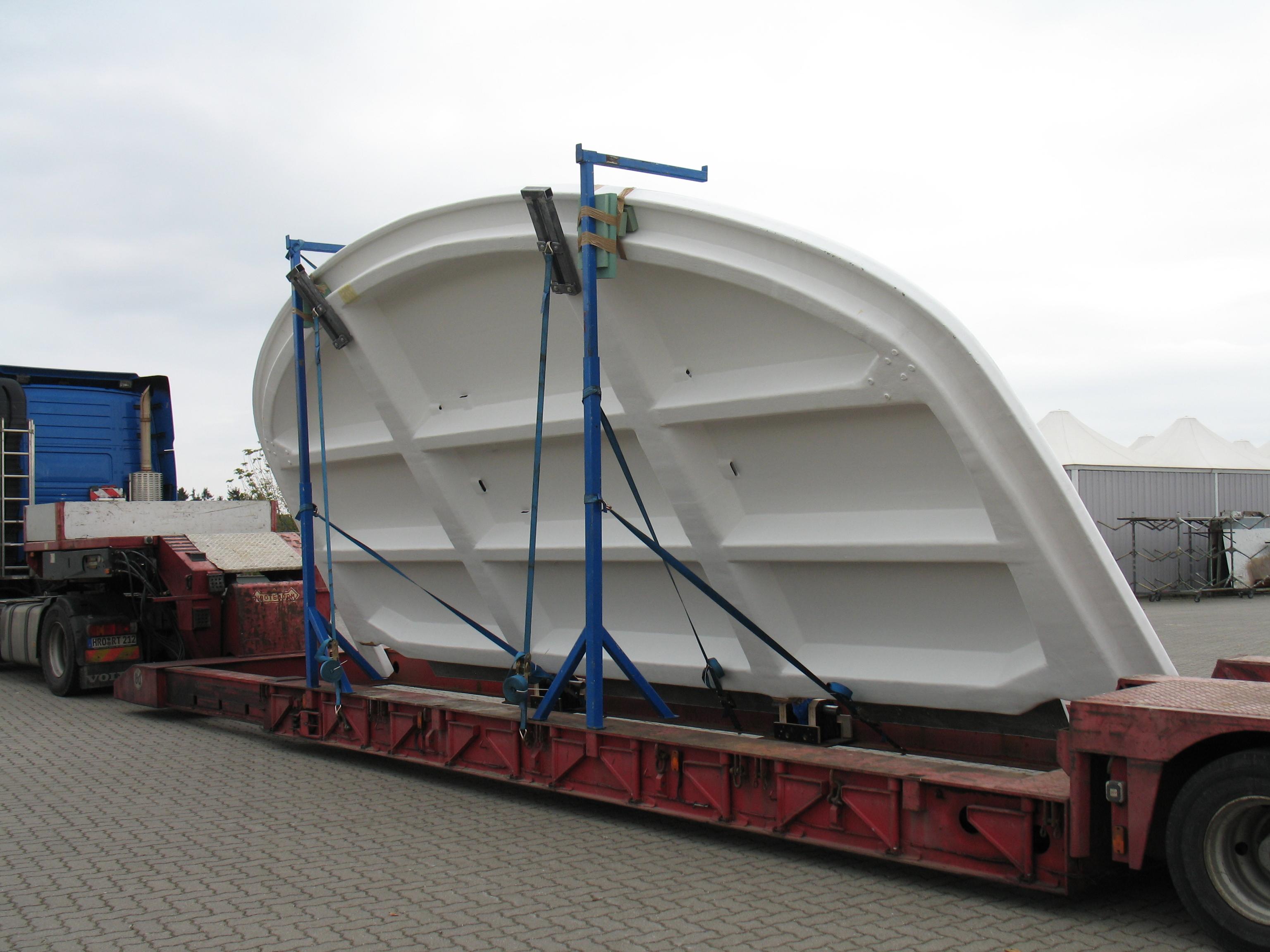 Yacht 777